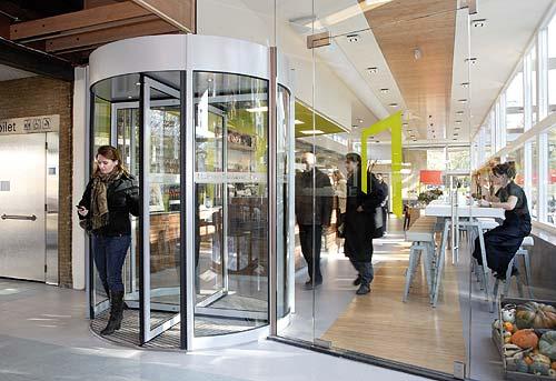 Casa Verde: An Energy-Generating Revolving Door