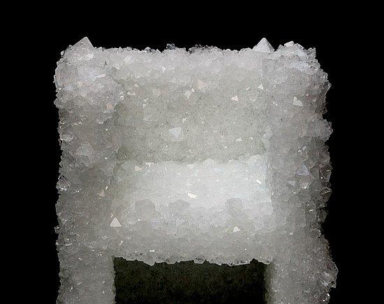 Weird Furniture: Natural Crystal Chair
