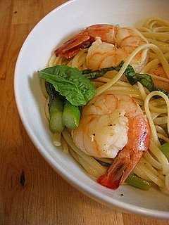 Linguine With Shrimp, Asparagus, & Basil