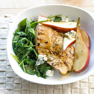 Fast Easy Dinner Recipe For Turkey With Spinach, Pears, and Blue Cheese