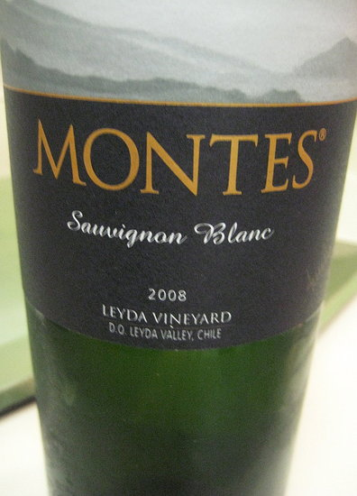 Happy Hour: Montes Limited Selection Sauvignon Blanc 2008