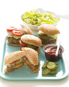 Fast and Easy Dinner: Cheddar-Stuffed Burgers