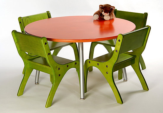 Ecotot: Knú Table and Chairs