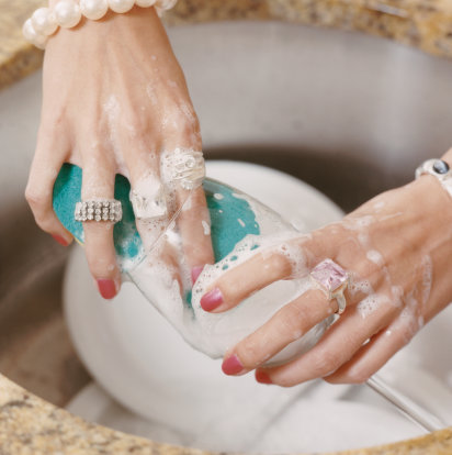 The How-To Lounge: Cleaning your Jewelry