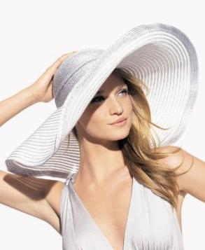 Kokin Oversized Metallic Hat: Love It or Hate It?