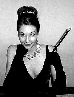 Halloween Look of the Day: Holly Golightly
