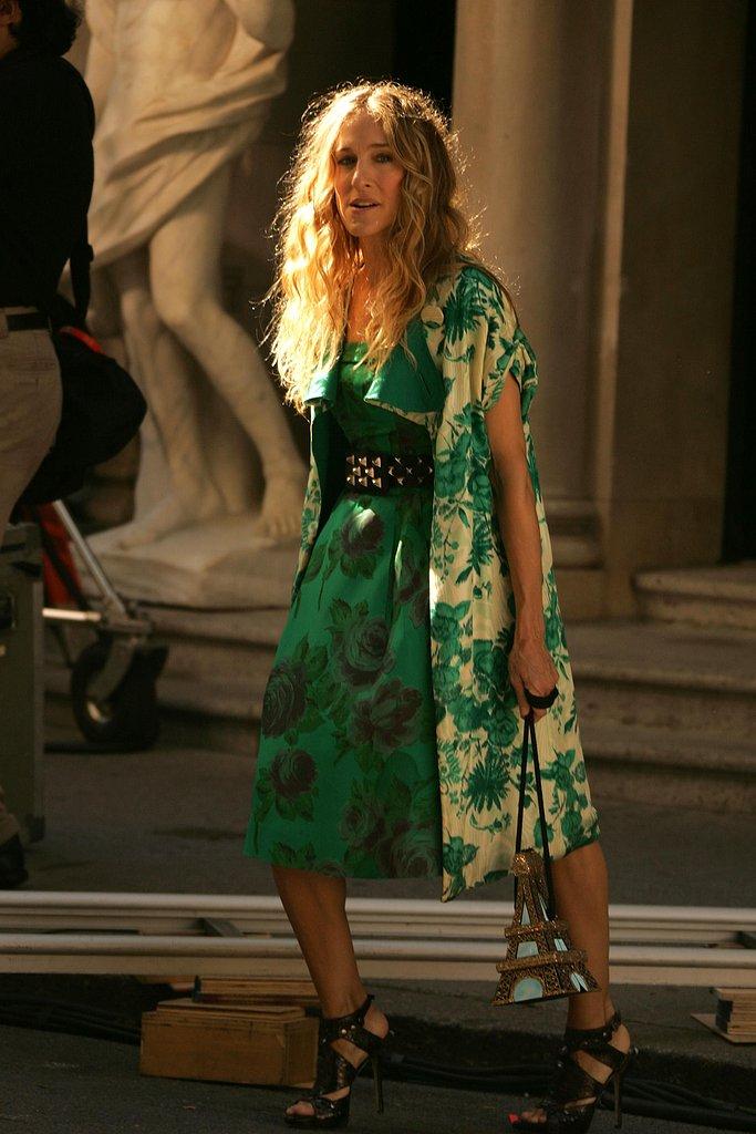 SATC Movie Sneak Peek! Carrie's Green Getup: Love It or Hate It?