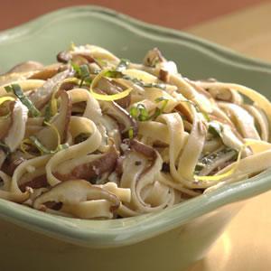 Fast & Easy Dinner: Fettuccine with Shiitake Mushrooms & Basil