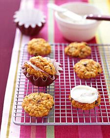 A Perfect Fall Dessert: Carrot Cake Cookies