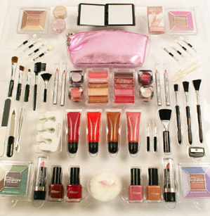 """Guess Who? The Starlet With a """"Ridiculous"""" Makeup Collection"""