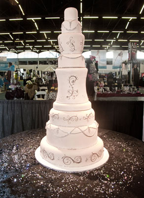 how much does a wedding cake cost this wedding cake costs how much popsugar smart living 15452