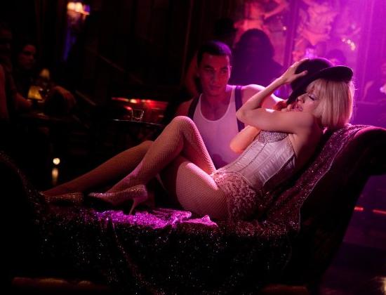 New Movie Trailer For Burlesque Starring Christina Aguilera Cher Kristen Bell Popsugar Celebrity Uk