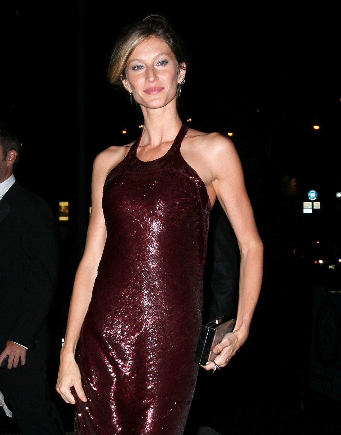 Pictures of Gisele Bundchen in a Long Red Dress Going to a ...