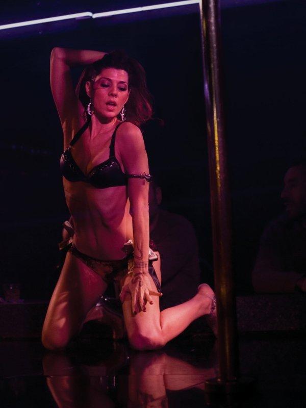 http://media1.popsugar-assets.com/files/2012/10/43/3/301/3019466/d5cf40d1bcbce99c_tEGDc.xxxlarge/i/Marisa-Tomei-Cassidy-Wrestler-2008.jpg