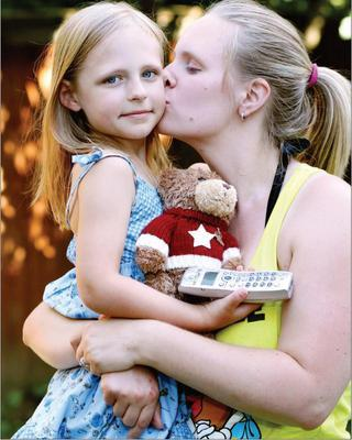 5-Year-Old Girl Saves Mom After Seizure