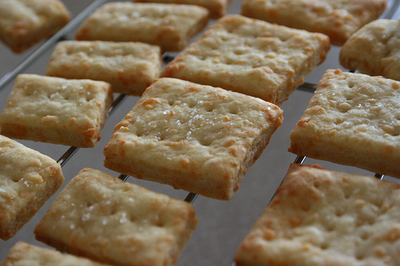 Fast and Delicious: Lunchbox Cheese Crackers