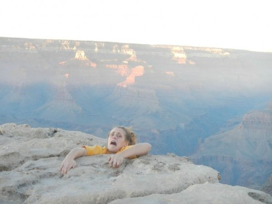 Daughter Frightens Mom With Photo from the Grand Canyon