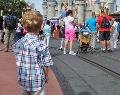 5 Ways To Keep Your Toddler Safe In Crowded Places