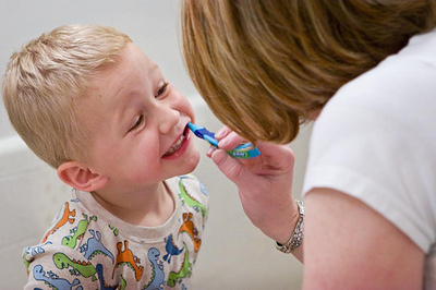 First Trip to the Dentist: What's the Right Age?