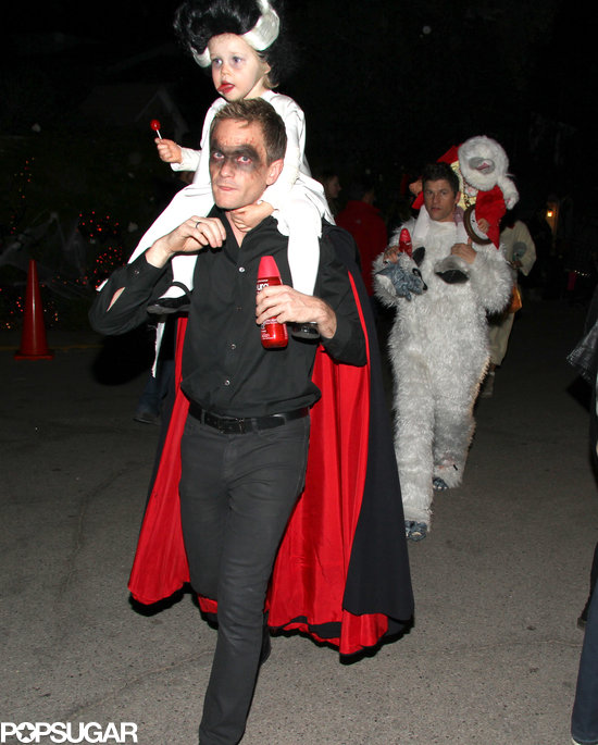 Neil Patrick Harris and His Family in Halloween Costumes ...