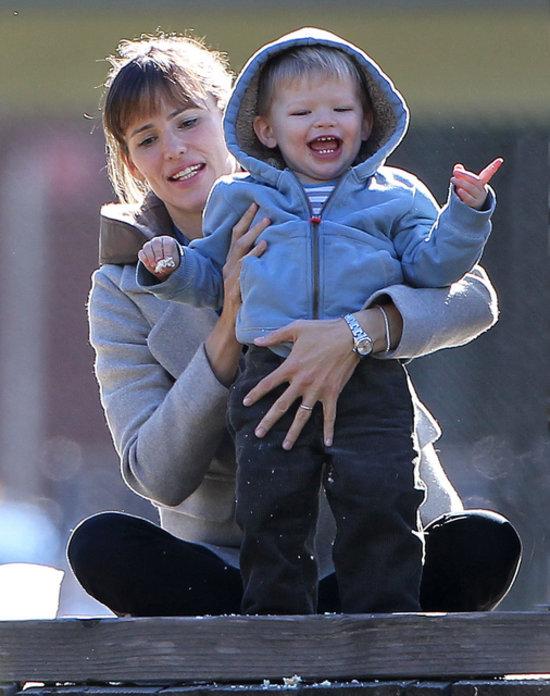 Samuel Affleck Proves He's Dad Ben's Biggest Fan – Moms & Babies ...