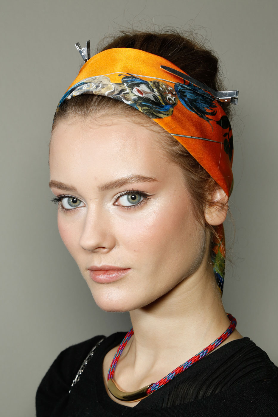How To Wear A Head Scarf Popsugar Beauty