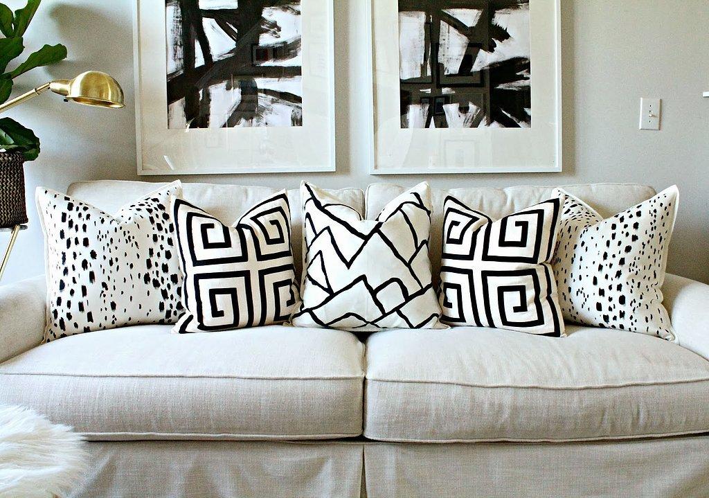 Painted Pillow DIY & Painted Pillow DIY | POPSUGAR Home pillowsntoast.com