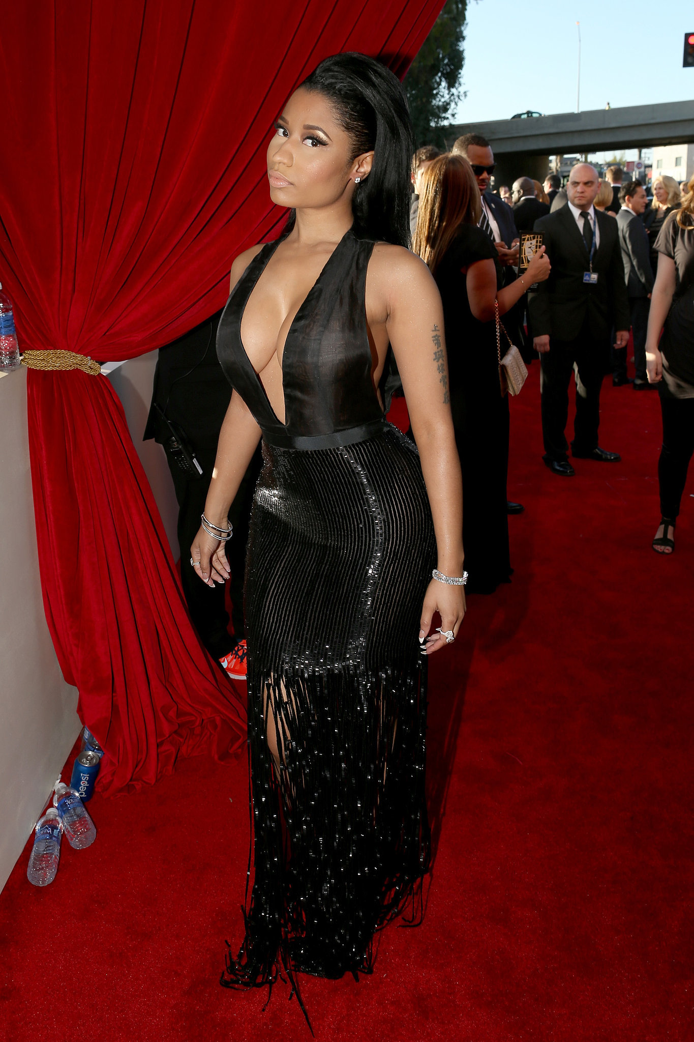 Nicki Minaj S Dress At The Grammy Awards 2015 Popsugar