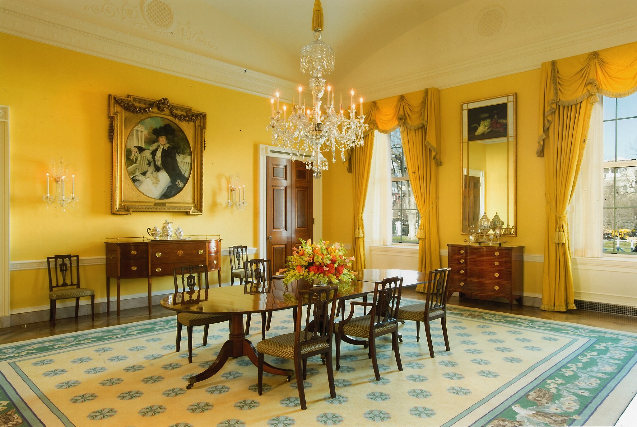 The white house family dining room makeover popsugar home for Family dining room ideas