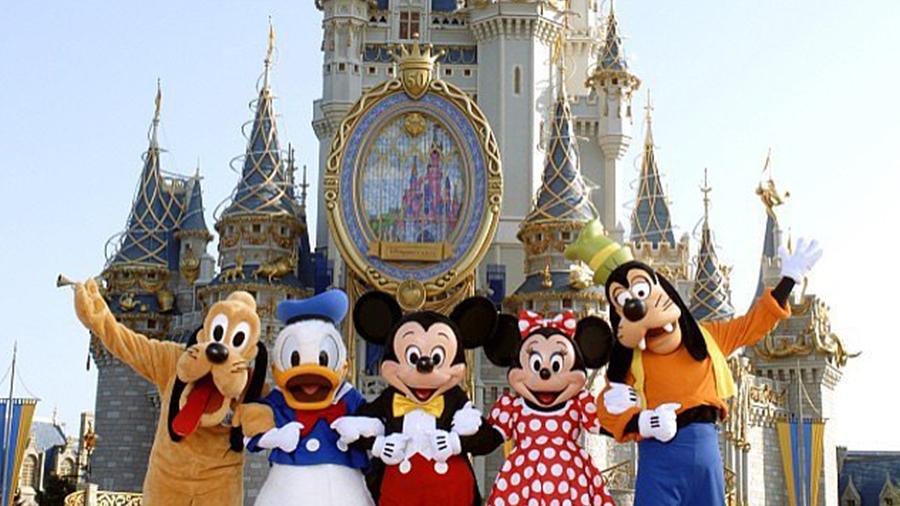 https://media1.popsugar-assets.com/files/2016/03/04/054/n/1922398/b1574611_CASTLE_OV/i/New-Disney-World-Rides-Video.jpg