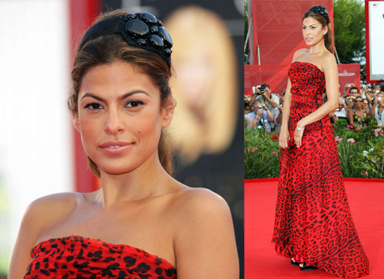 girls-having-eva-mendes-toung-self-induced-toy