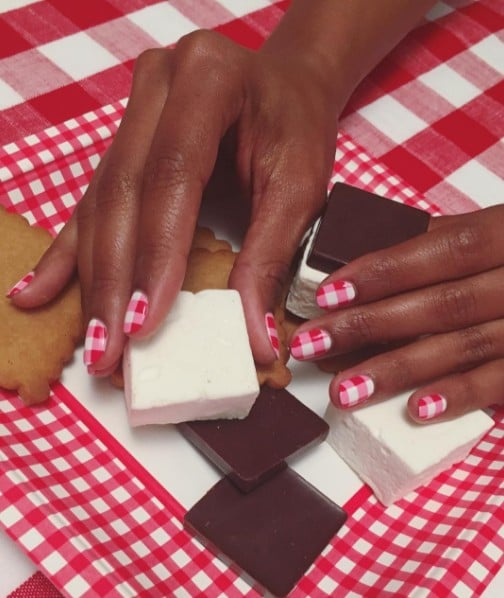 Chic Gingham Nail Art