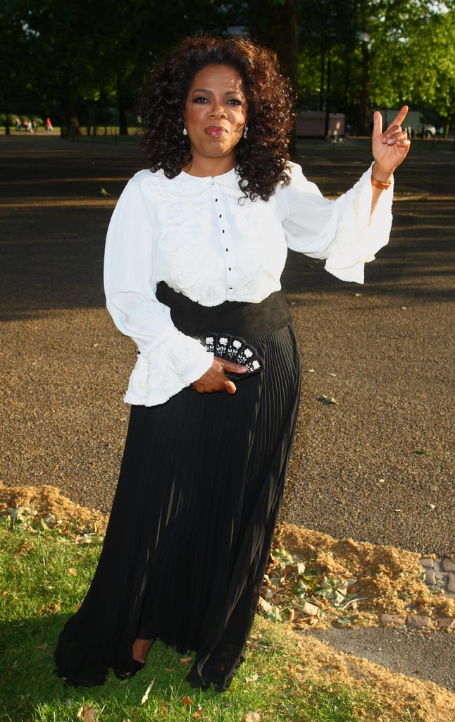 Oprah posed and pointed at the 90th birthday of Nelson Mandela in 2009.