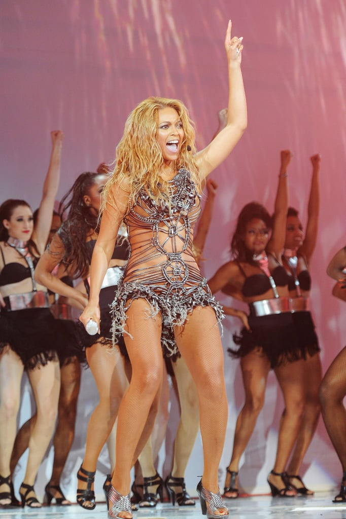 Beyoncé Knowles commanded the stage with dancers in 2011.
