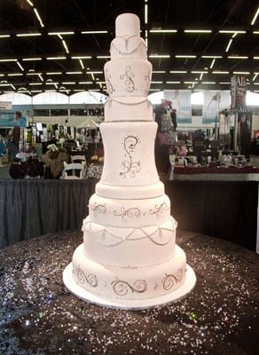 how much does a 5 tier wedding cake weight this wedding cake costs how much popsugar smart living 15448