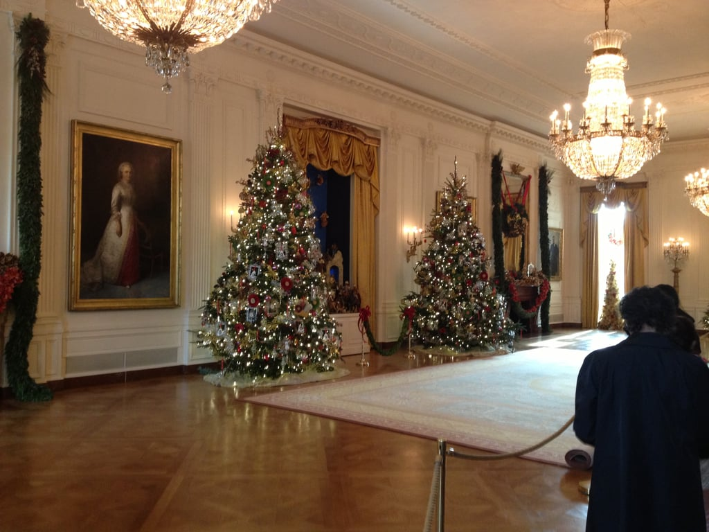 The East Room is large enough to host conferences and various social events. The decor of this space honors American folk art, and the trees are adorned with ornaments made of wood.