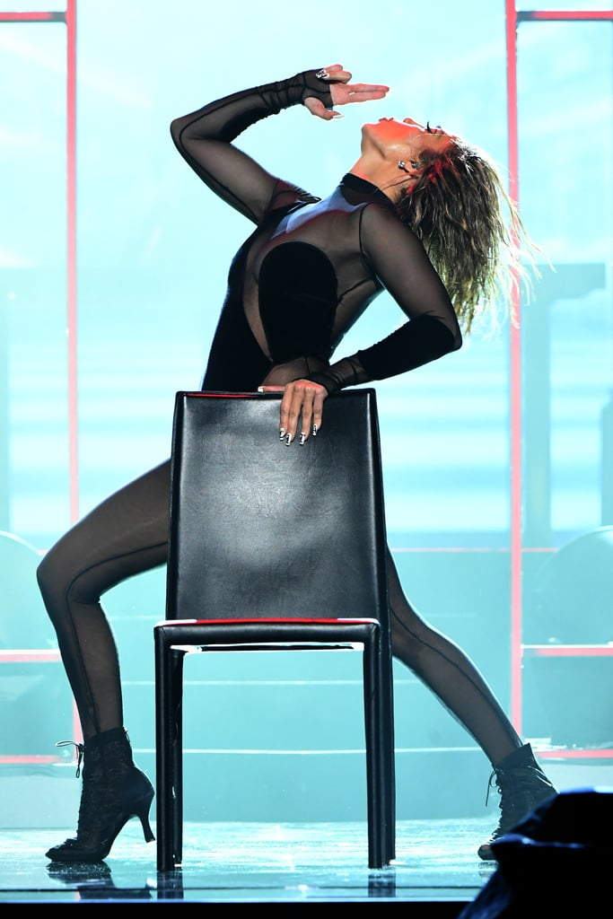Jennifer Lopez B6f074bf08baccee_GettyImages-1287135179
