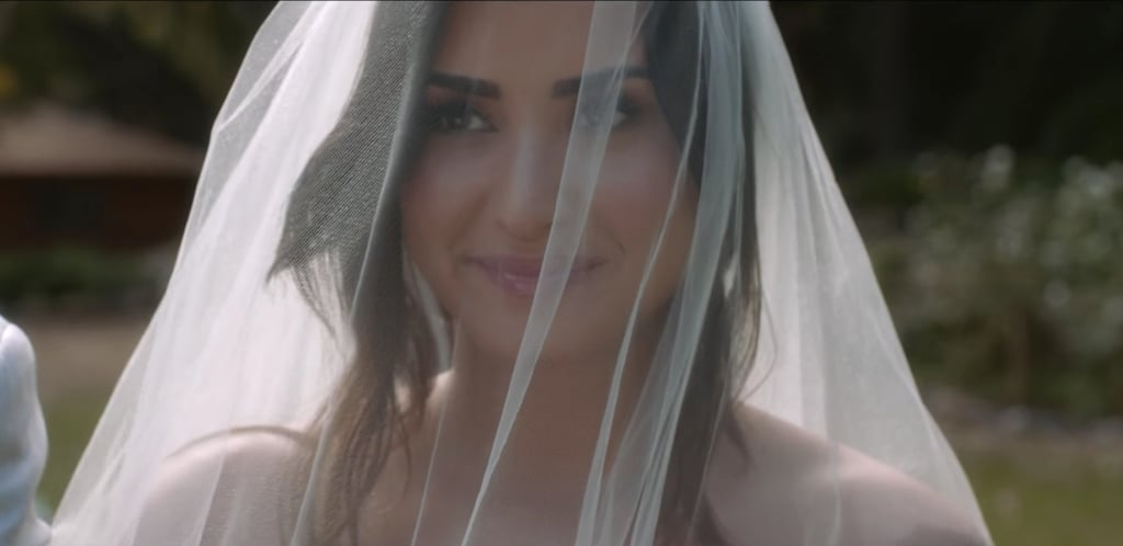 This Is Exactly What We Pictured Demi Lovatos Dreamy Wedding Dress Would Look Like