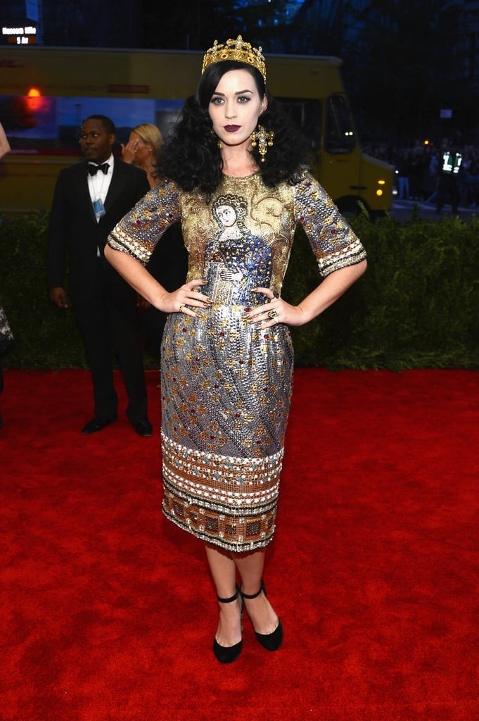 Katy Perry channeled her inner Joan of Arc in a metallic beaded Dolce    Gabbana dress 7e8e2ea43d