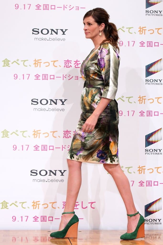 Pictures of Julia Roberts in Japan
