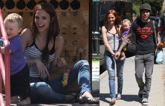 Photos of Ashlee Simpson, Pete Wentz, and Bronz Wentz at the Park in LA 2009-09-10 13:39:05