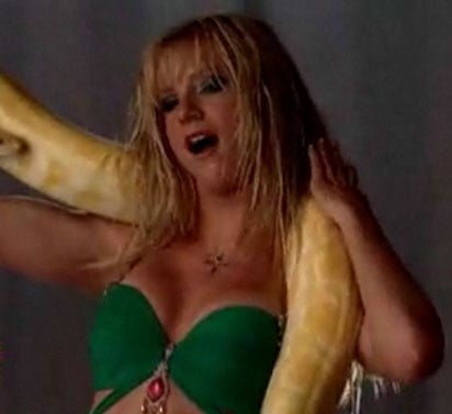 Heather Morris Sings and Dances Britney Spears' I'm A Slave 4 U on Glee