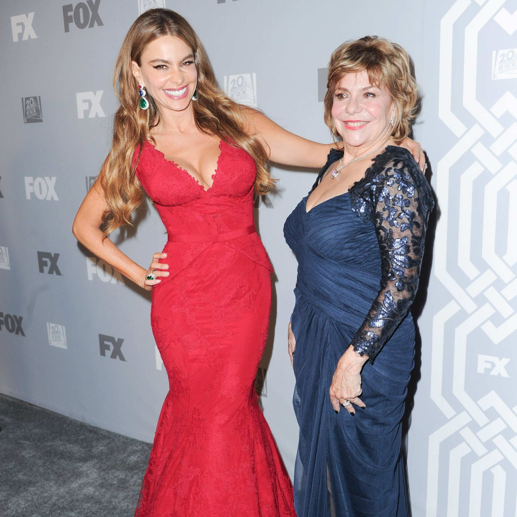 Photos Of Sofia Vergara And Her Mom Popsugar Latina