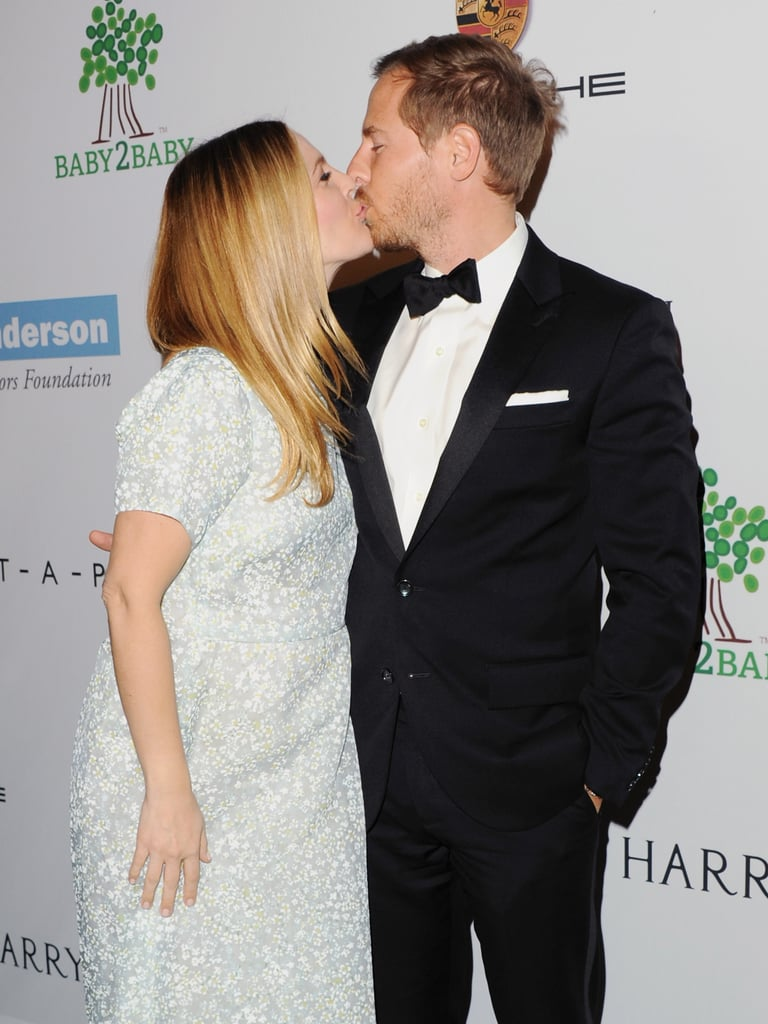 Drew Barrymore and Will Kopelman kissed at the Baby2Baby Gala.