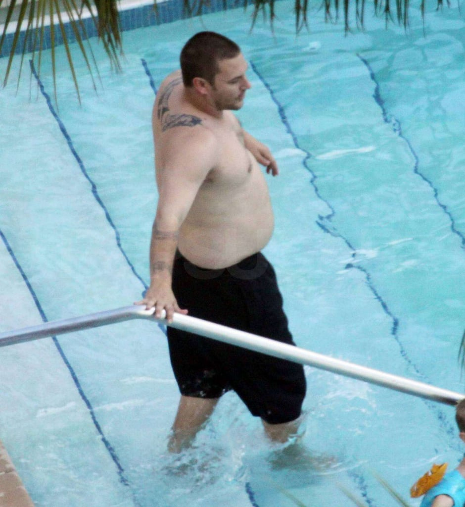 Photos of Kevin Federline Shirtless at the Pool