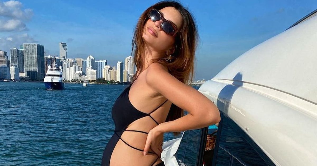 What's Black and Strappy With Cutouts All Over? Duh, Emily Ratajkowski's Maternity Swimsuit