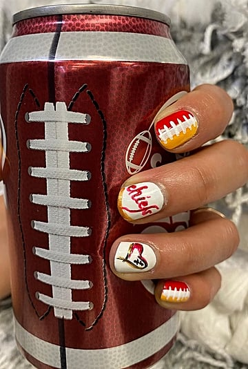 Super Bowl Nail Art Ideas For Chiefs and 49ers Fans in 2020