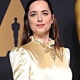 Dakota Johnson's Hair and Makeup at the 2017 Oscars