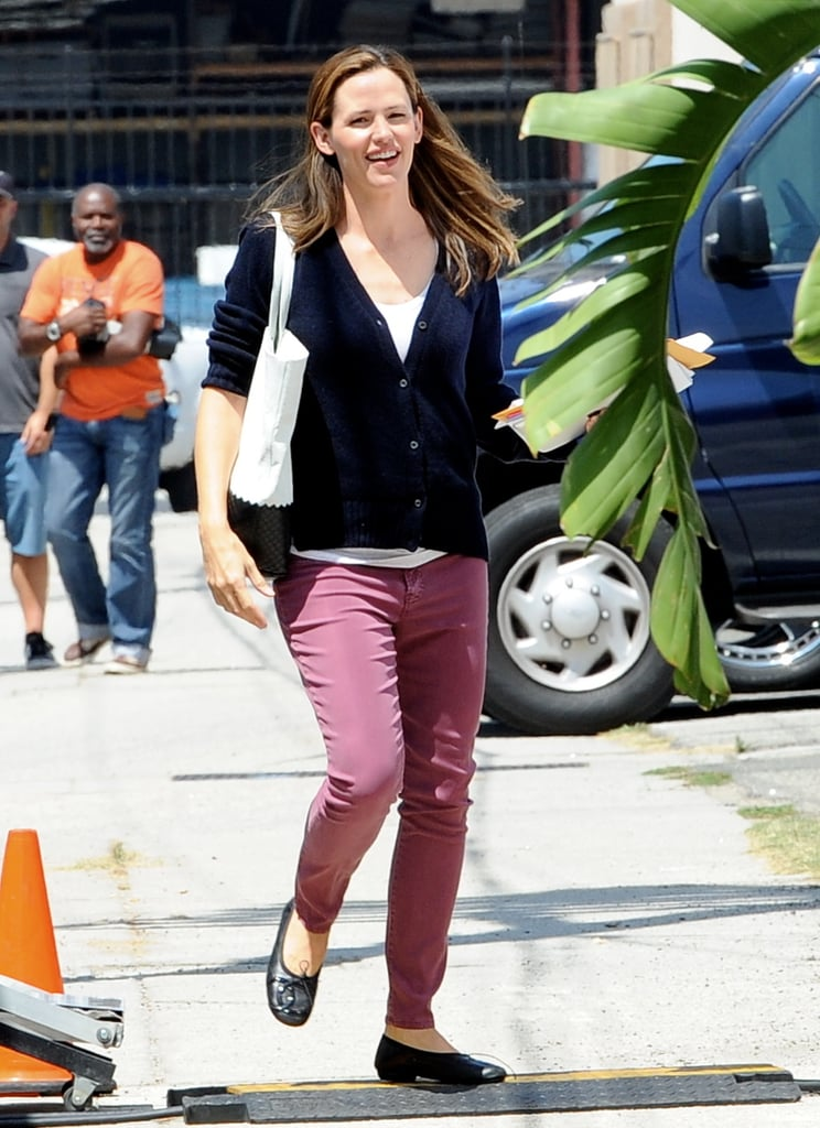 Jennifer Garner ditched her fake baby bump when she arrived on the set of her new film, Imagine, in LA yesterday. She has been wearing a faux pregnant stomach this week, as she is playing a heavily pregnant woman in the movie. Jennifer's costar Al Pacino was also spotted on set. Jennifer's pretend pregnancy may have been the cause of her recent royal baby fever. Bobby Canavale, who also stars in Imagine, revealed that Jennifer is keeping up on all the news about Kate Middleton and Prince William's new son, Prince George, and she has been talking about the new addition to the royal family on set.