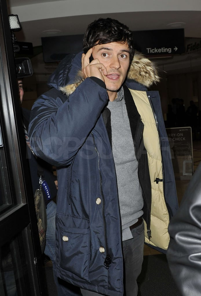 Photos of Orlando Bloom Arriving at LAX After Attending Sundance Film Festival 2010-01-26 10:11:37